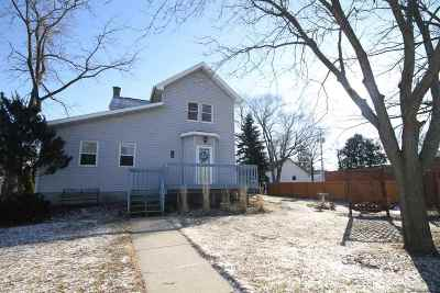 Green County Single Family Home For Sale: 220 Commercial St