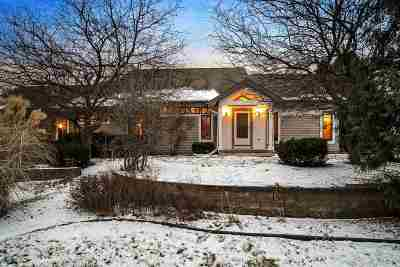Columbia County Single Family Home For Sale: 209 Sunset Cir