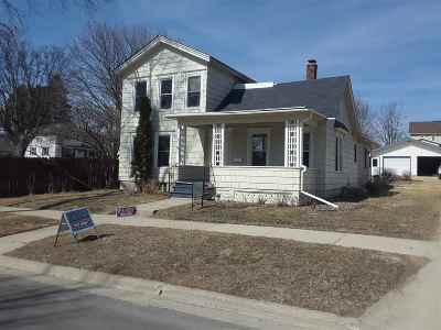 Monroe WI Single Family Home For Sale: $108,000