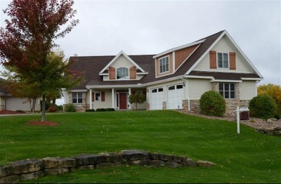 Sauk County Single Family Home For Sale: S8749 Water's Edge Way