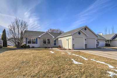 Sun Prairie Single Family Home For Sale: 610 N Heatherstone Dr