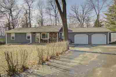 Waunakee Single Family Home For Sale: 6509 Hickory Ln