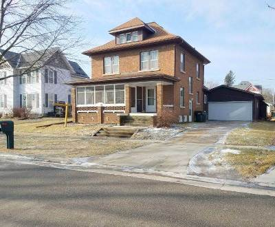 Green County Single Family Home For Sale: 1013 1st St