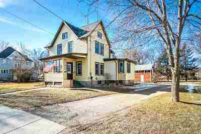 Columbus Single Family Home For Sale: 160 Waterloo St