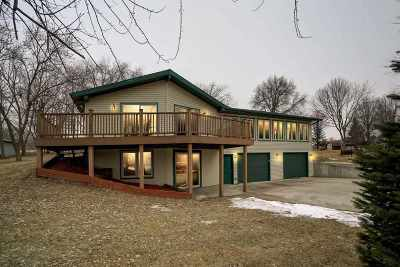 Cottage Grove Single Family Home For Sale: 4561 Sandpiper Tr