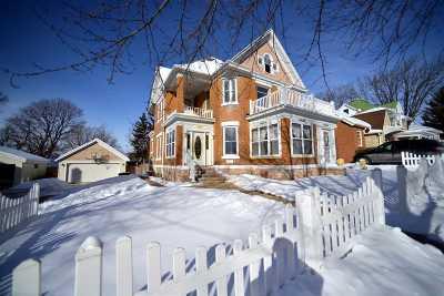 Sun Prairie Single Family Home For Sale: 142 Church St