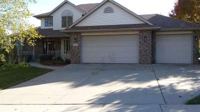 Waunakee Single Family Home For Sale: 1302 Spahn Dr