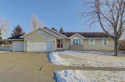 Waunakee Single Family Home For Sale: 901 Lexington Way