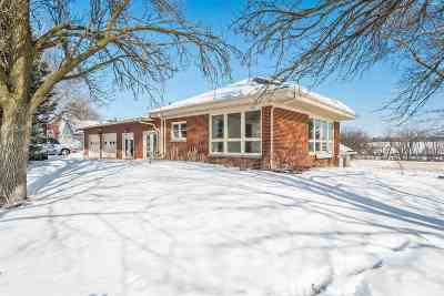 Marshall WI Single Family Home For Sale: $225,000