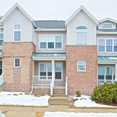 Fitchburg Condo/Townhouse For Sale: 5470 Coachman Pl