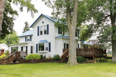 Stoughton WI Single Family Home For Sale: $485,000