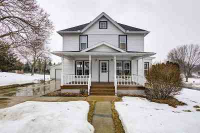 Marshall Single Family Home For Sale: 218 Elm Street