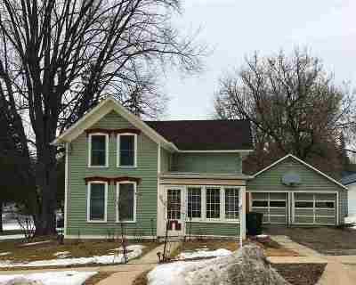 Jefferson Single Family Home For Sale: 227 E Ogden St