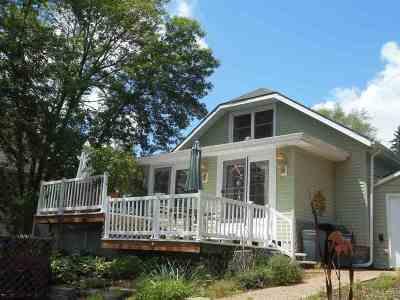 Edgerton Single Family Home For Sale: 3921 W Riverside Dr