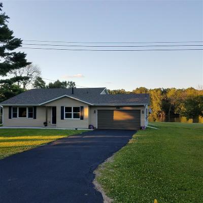 Janesville Single Family Home For Sale: 4738 W Oakwood Park Dr