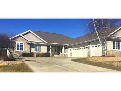 Sun Prairie Single Family Home For Sale: 3038 Bunker View