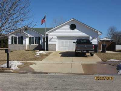 Evansville Single Family Home For Sale: 532 Gold Coast Ln