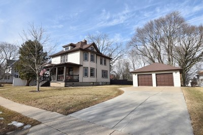 Iowa County Single Family Home For Sale: 110 W Clarence St