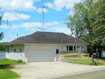 Poynette Single Family Home For Sale: N4117 County Road V
