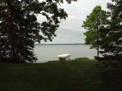 Stoughton Single Family Home For Sale: 2375 Williams Point Dr