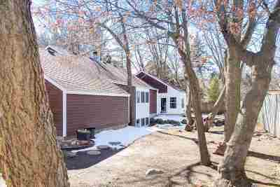 Verona Single Family Home For Sale: 672 Maple Rd