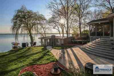 Stoughton Single Family Home For Sale: 3069 Sunnyside St