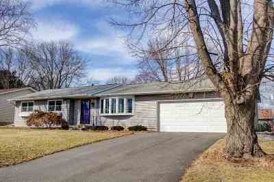 Waunakee Single Family Home For Sale: 609 7th St