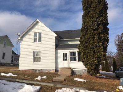 Iowa County Single Family Home For Sale: 302 Farwell St