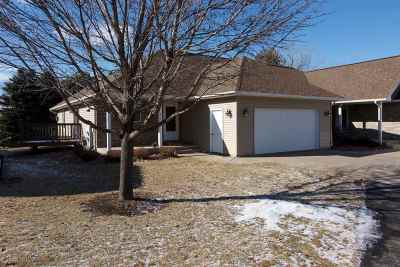Iowa County Single Family Home For Sale: 614 Prairie Hills Dr
