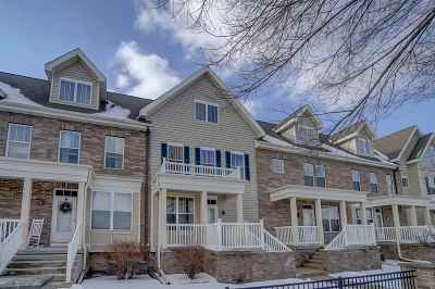 Fitchburg Condo/Townhouse For Sale: 21 S Gardens Way