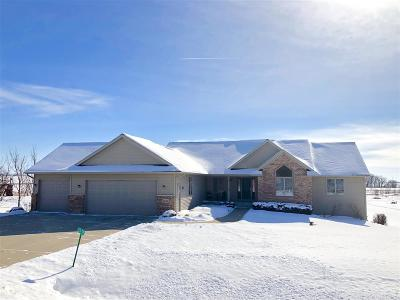 Sun Prairie Single Family Home For Sale: 1655 Tam O Shanter Tr