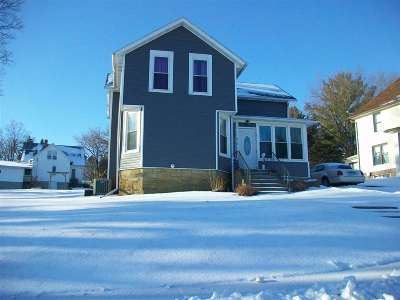 Iowa County Single Family Home For Sale: 318 Maiden St