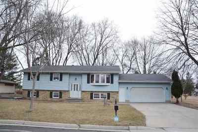 Sun Prairie Single Family Home For Sale: 2122 Michigan Ave