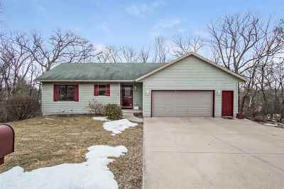 Waterloo Single Family Home For Sale: 422 Indian Hills Dr