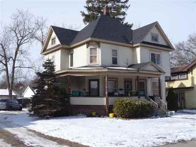 Edgerton Single Family Home For Sale: 304 Albion St