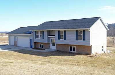 Iowa County Single Family Home For Sale: 5971 County Road K