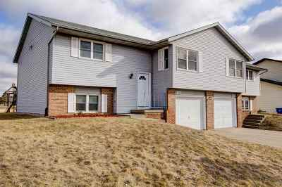 Waunakee Single Family Home For Sale: 1115 Centennial Pky