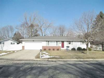 Brooklyn WI Single Family Home For Sale: $235,000