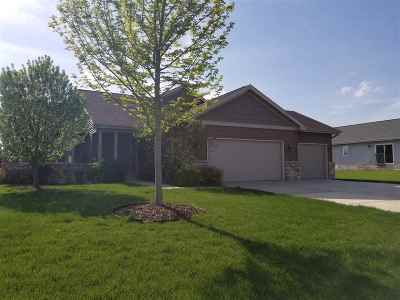 Sun Prairie Single Family Home For Sale: 1322 Crossing Ridge Tr