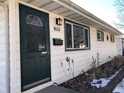 Dane County Single Family Home For Sale: 1633 Wyoming Way