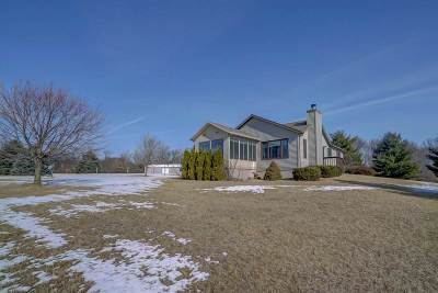 Columbia County Single Family Home For Sale: N5579 W Hill Rd