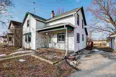 Dodge County Single Family Home For Sale: 611 Milwaukee St