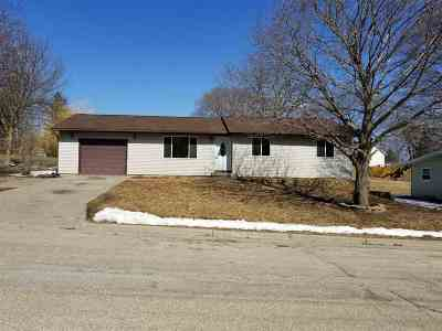 Iowa County Single Family Home For Sale: 224 W Valley St