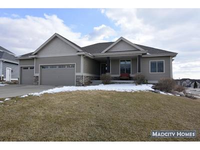 Waunakee Single Family Home For Sale: 1306 Naomi Ct