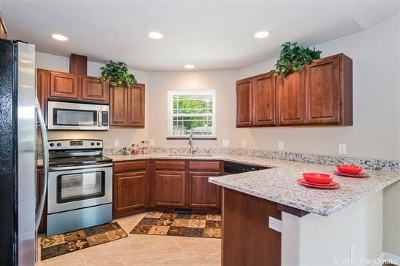 Madison WI Single Family Home For Sale: $294,000