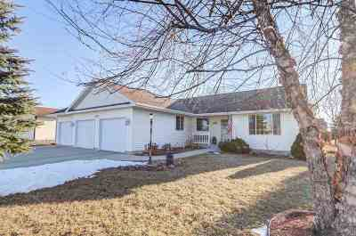 Sauk County Single Family Home For Sale: 801 Travis St