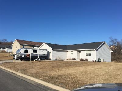 Rock County Single Family Home For Sale: 80 Cortland Dr