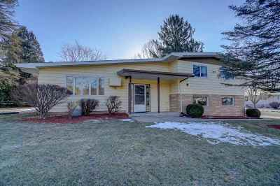 Cross Plains WI Single Family Home For Sale: $229,900