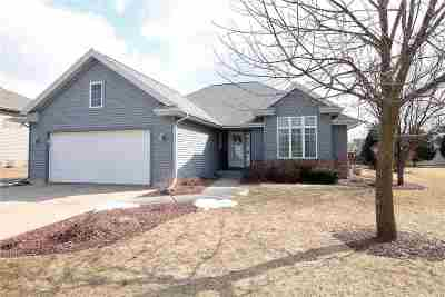Janesville Single Family Home For Sale: 1026 Bedford Dr