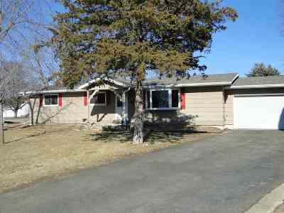 Sauk City Single Family Home For Sale: 1501 Lori Ct
